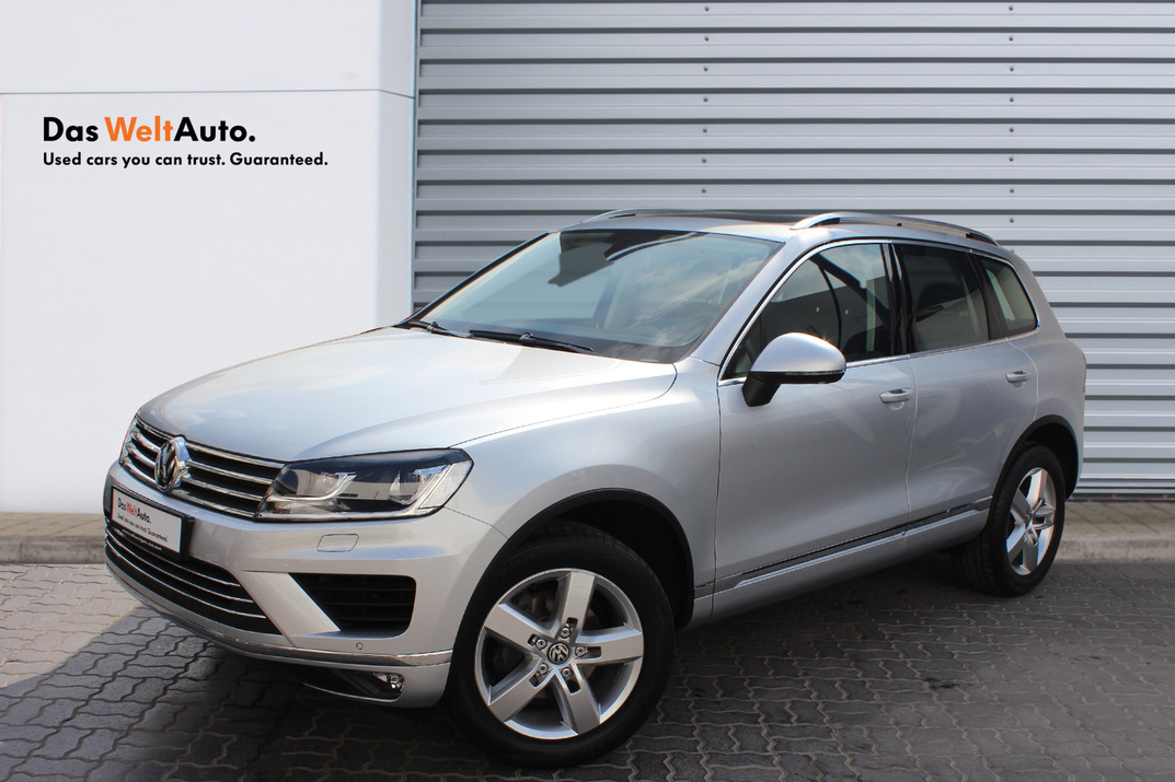 Volkswagen TOUAREG 3.6L SEL - CERTIFIED PRE-OWNED -WARRANTY UNTIL 2021 - DIFFERENT COLORS AVAILABLE - 2016