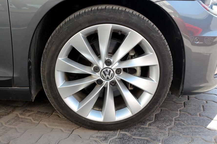 Volkswagen SCIROCCO SPORT FACELIFT - CERTIFIED PRE-OWNED -WARRANTY UNTIL 2023- - 2015