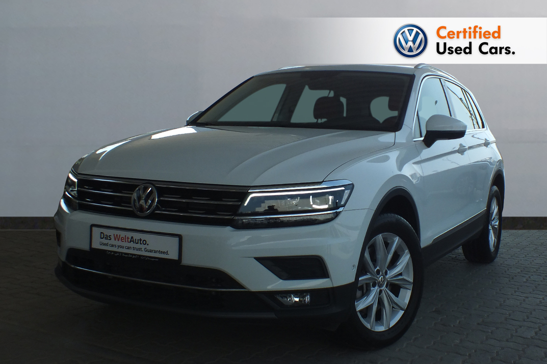 Volkswagen Tiguan 2.0   SEL  Leather Seats Panaromic Roof - 2019