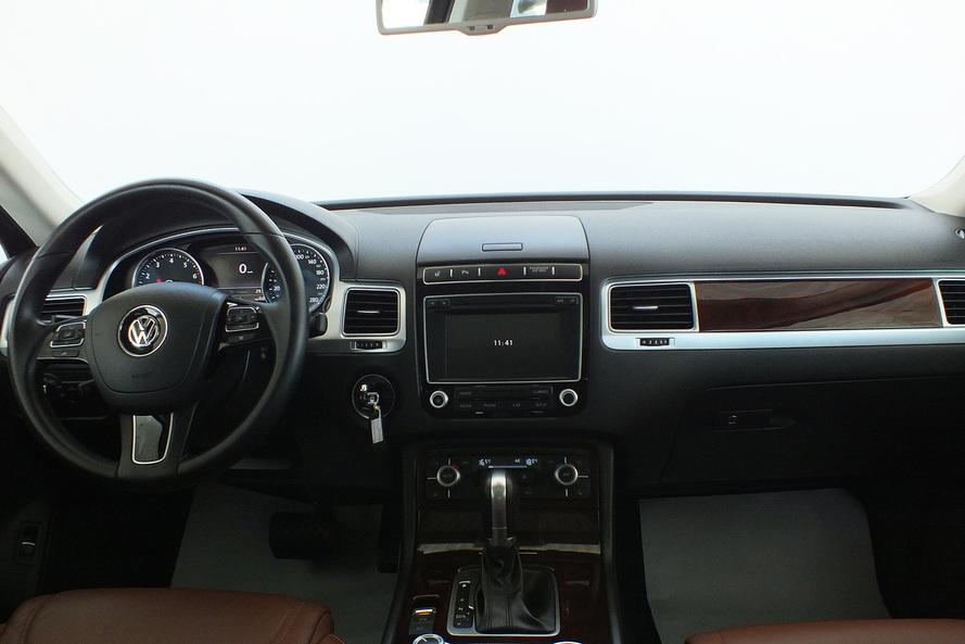 Volkswagen Touareg 3.6 SEL Leather Seats Panaroma Roof - 2016