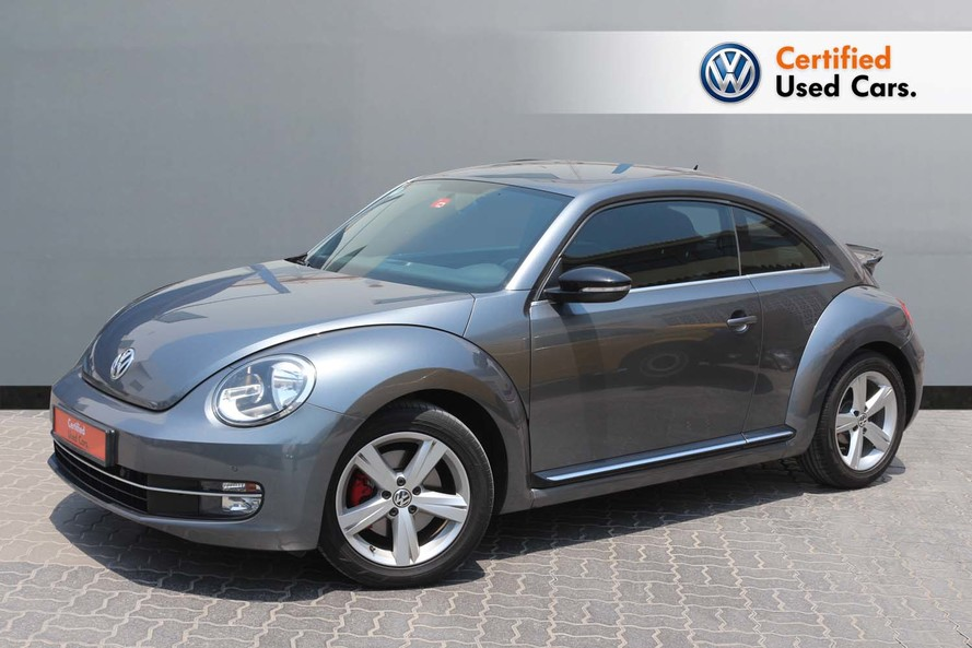 Volkswagen BEETLE 2.0L S - CERTIFIED PRE-OWNED -WARRANTY UNTIL 2021 - 2015