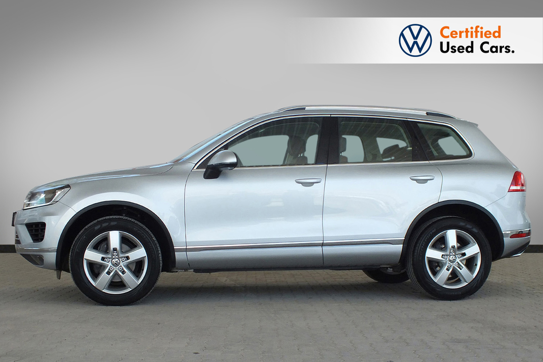 Volkswagen Touareg 3.6 SEL Leather Seats Panaroma Roof - 2016