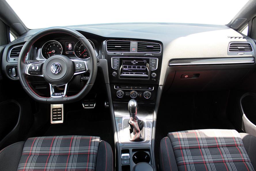 Volkswagen GOLF GTI SE 2.0L - CERTIFIED PRE-OWNED - 2016