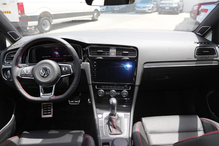 Volkswagen GOLF GTI SPORT FACELIFT 2.0L - 0 KMS - CERTIFIED VW- WARRANTY UNTIL 2022 - 2018