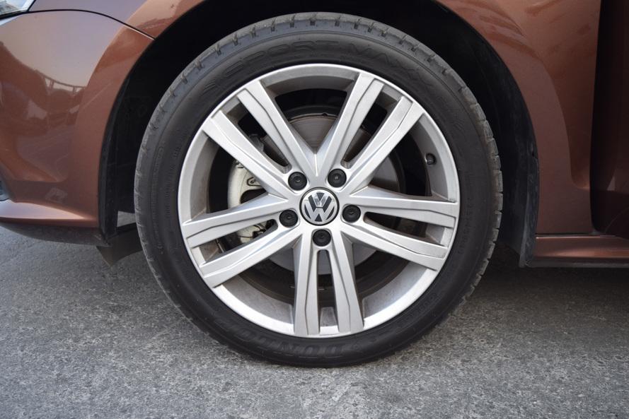 Volkswagen Jetta 2.5L 5Cylinder (170 PS) 6-speed automatic transmission - 2017