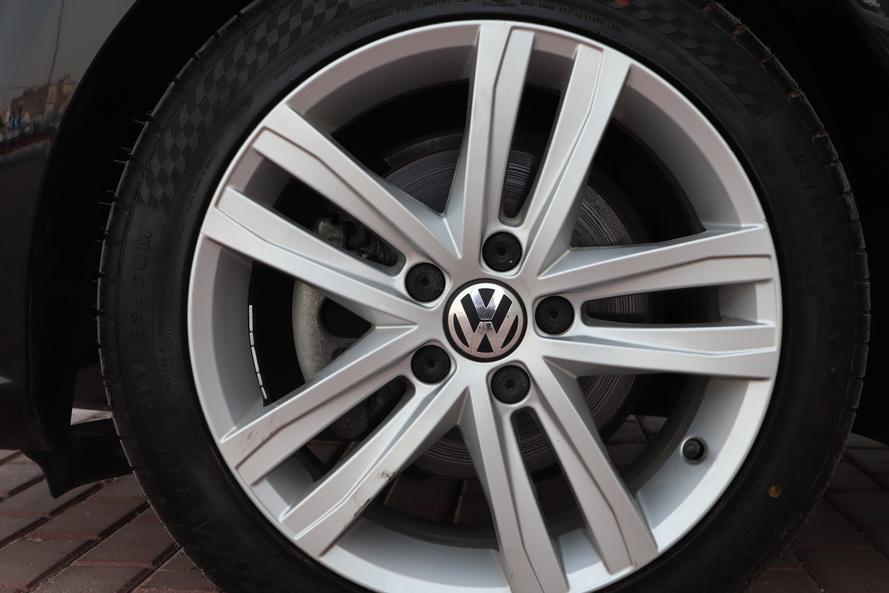 Volkswagen JETTA - 2016