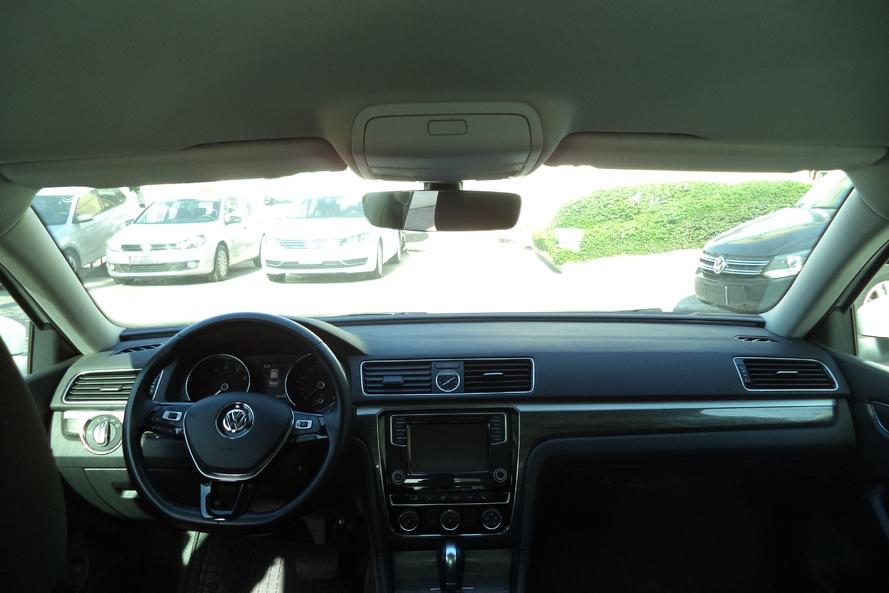Volkswagen PASSAT US Passat    COMFO  125    A6F - 2017