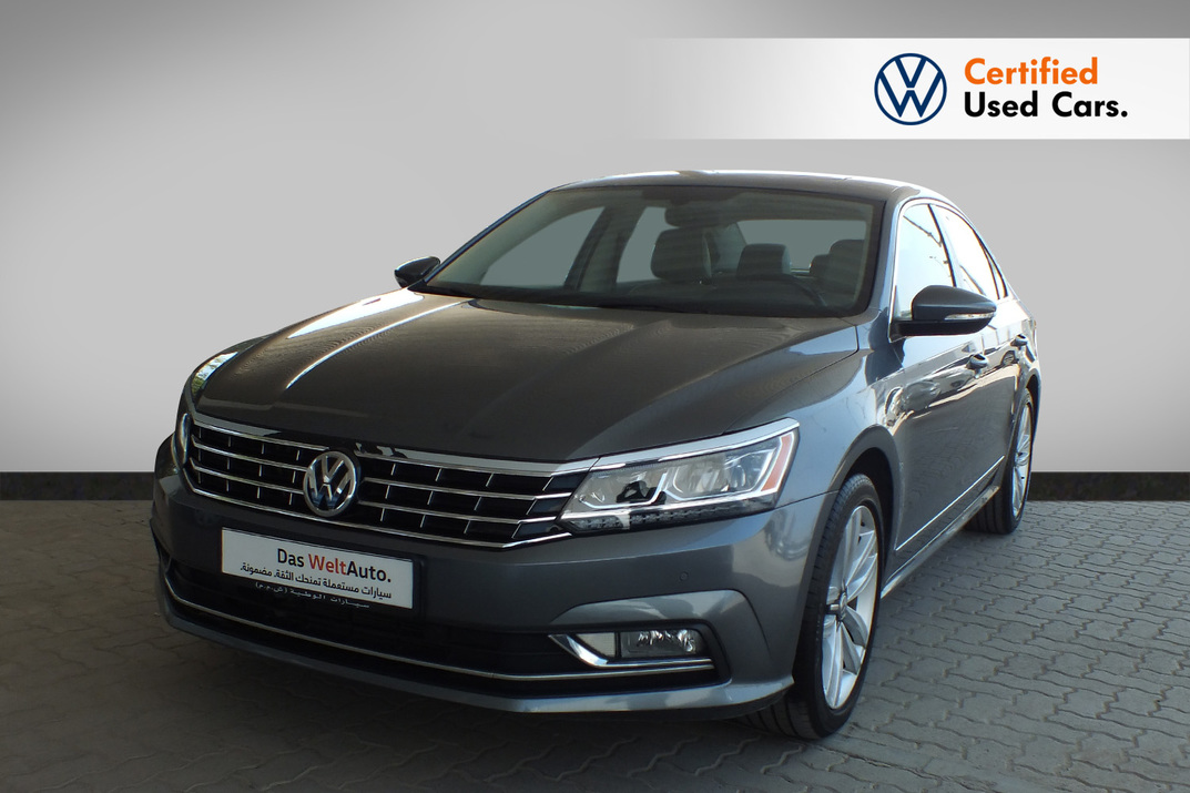 Volkswagen Passat 2.5 Litre Sport Leather Seats, Sun Roof,Navigation - 2017