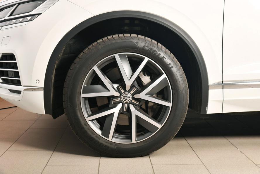 Volkswagen TOUAREG New Touareg Highline+ V6 TFSI 340 hp A8A - 2020