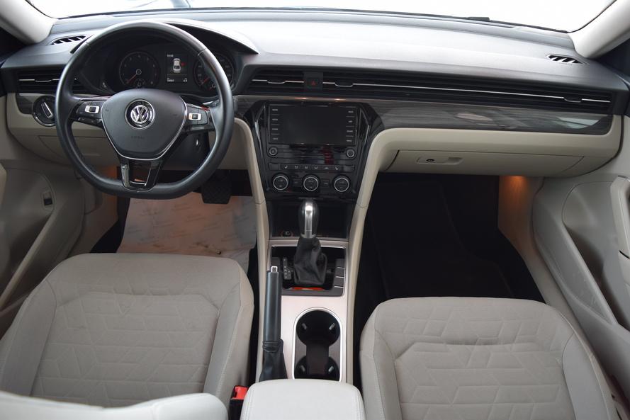 Volkswagen Passat Comfortline - 2020
