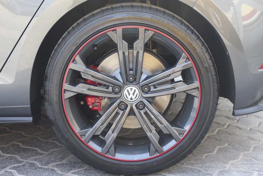 Volkswagen Golf GTI Sport With Navigation 2.0L - Certified Pre-Owned - Warranty Until 2022 - 2018